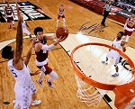 Frank Kaminsky Autographed Wisconsin 2015 Final Four Layup 16x20 Photo
