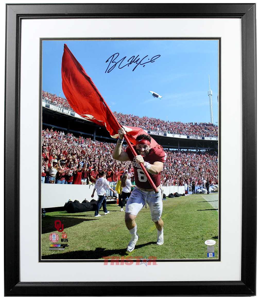 Baker Mayfield Autographed Oklahoma Sooners Running with Flag ... 0617ce89a