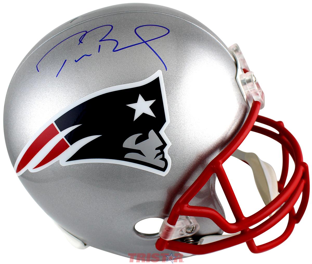 low priced 0c94d 1778f Tom Brady Autographed New England Patriots Replica Full Size Helmet