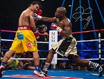 Floyd Mayweather Autographed vs Pacquiao 16x20 Photo