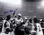 Hank Aaron Autographed Atlanta Braves Celebration 16x20 Photo