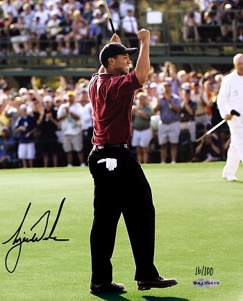 Tiger Woods Autographed 2002 Masters 8x10 Photo - Limited Edition
