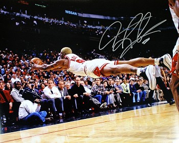 Dennis Rodman Autographed Chicago Bulls 16x20 Photo